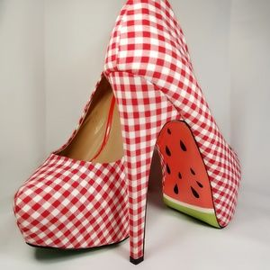 taylor says Shoes - Taylor Says Woman's Melons Heels sz 8.5